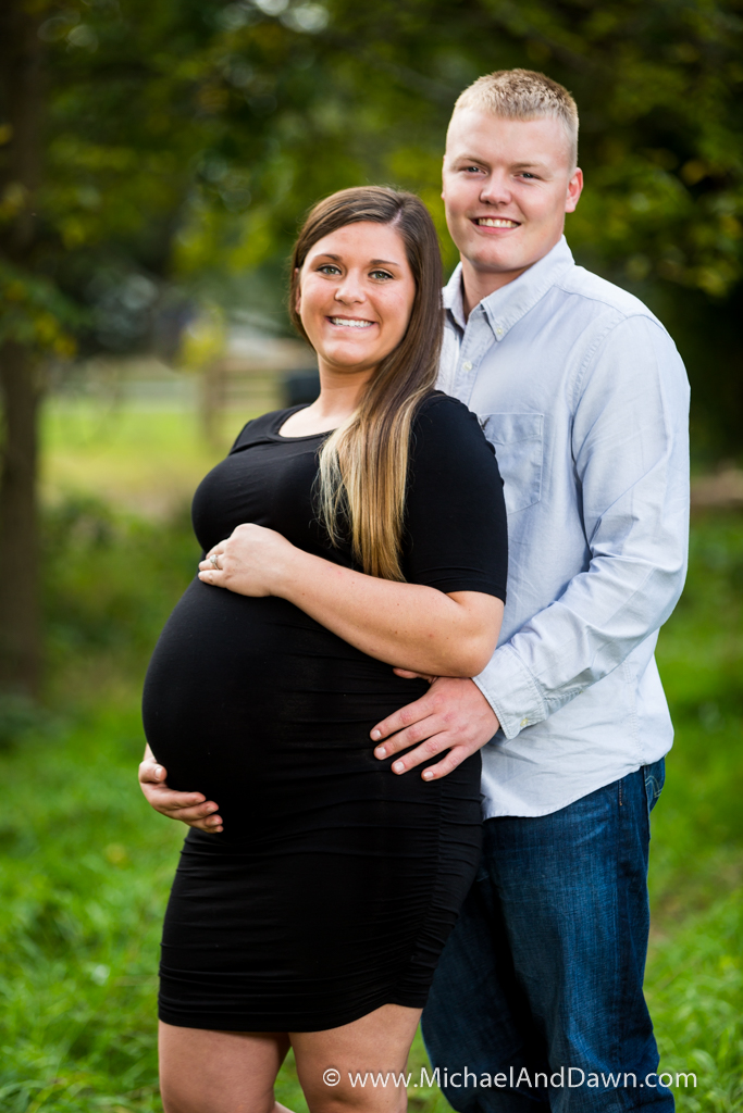 picture of pregnant girl and her man