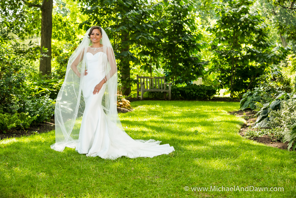 picture of bride with long veil